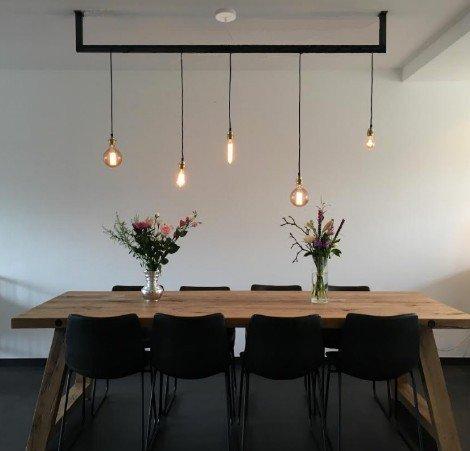 Lightbar boven tafel